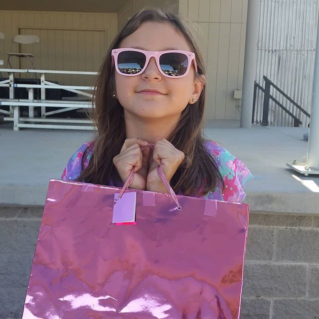 "A ""Welcome to Summer"" gift bag.  She has to wait until after the award ceremony. #meanmomma"