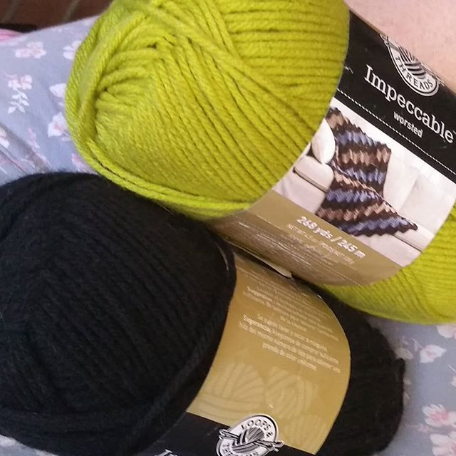 Decided I need to cast on a new gift just in case! #anyexcusewilldo #knitting